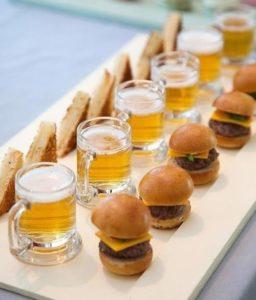 Petite cheese burgers (Horizons Catering)